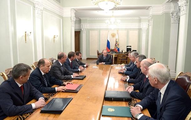 Путин обсудил с Совбезом РФ ситуацию с выполнением минских соглашений