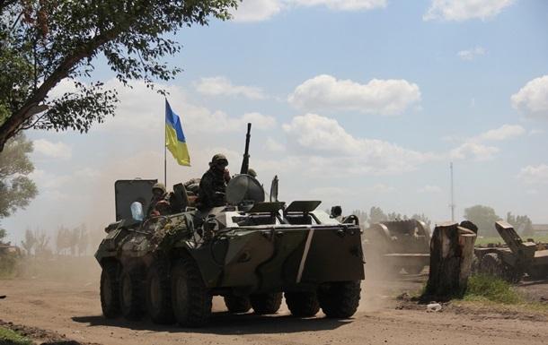 Сутки в АТО: обстрелы Новгородского, Докучаевска и бои в Песках
