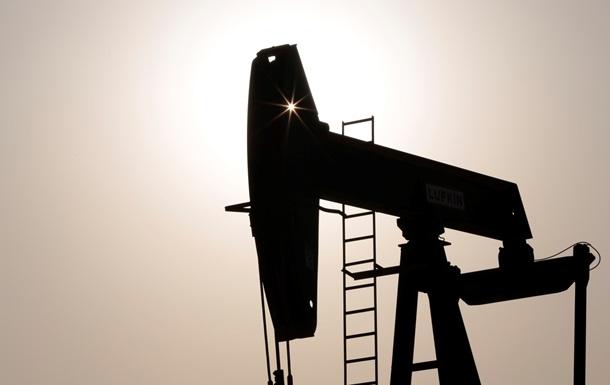 Цена на нефть на биржах Нью-Йорка и Лондона снизилась
