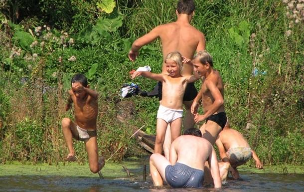 В Киеве запретили купаться на трех пляжах