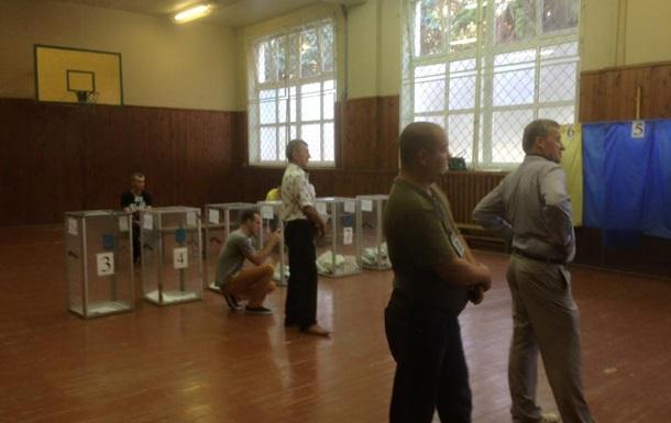 Милиция зафиксировала уже более двадцати нарушений на выборах в Чернигове
