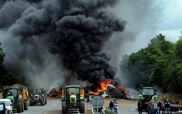 Французские фермеры заблокировали дороги на границе с Германией