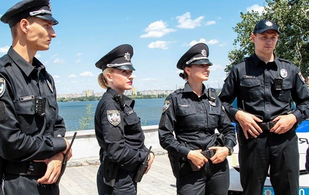 Конкурс в новую полицию Закарпатья составляет семь человек на место