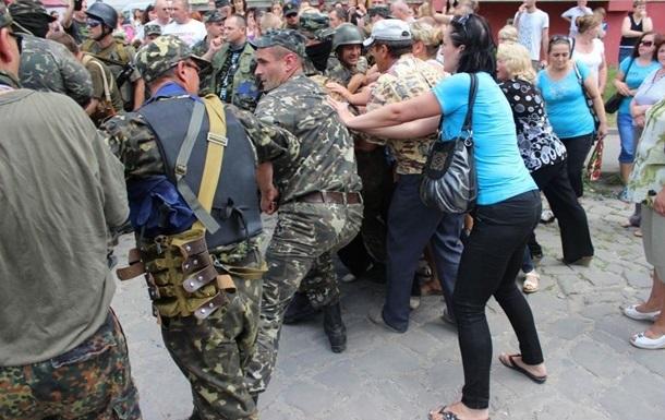 Аваков запретил милиции отлавливать призывников