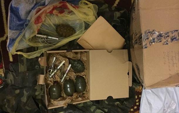 Боец АТО выслал по почте родственнице гранаты