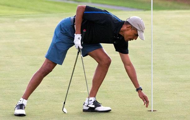 Обама начал отмечать день рождения на поле для гольфа
