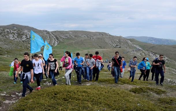 Крымские татары призывают признать политику РФ геноцидом