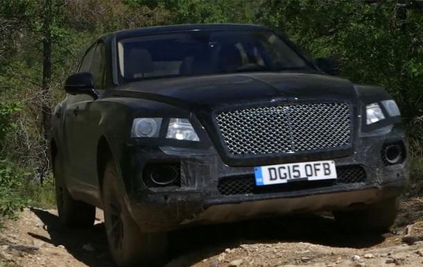 Bentley показала испытания своего первого кроссовера на бездорожье