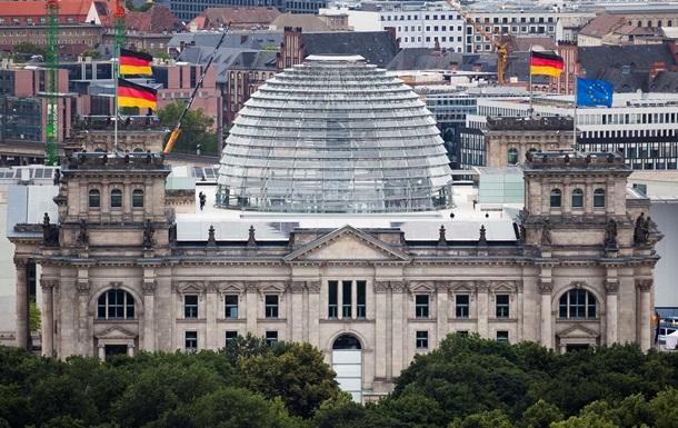 Немецкие депутаты пока не собираются в Крым