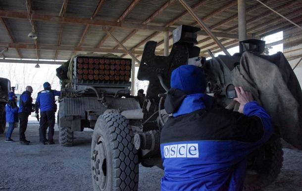 ОБСЕ: Места хранения тяжелого оружия ДНР охраняют военные из Оренбурга