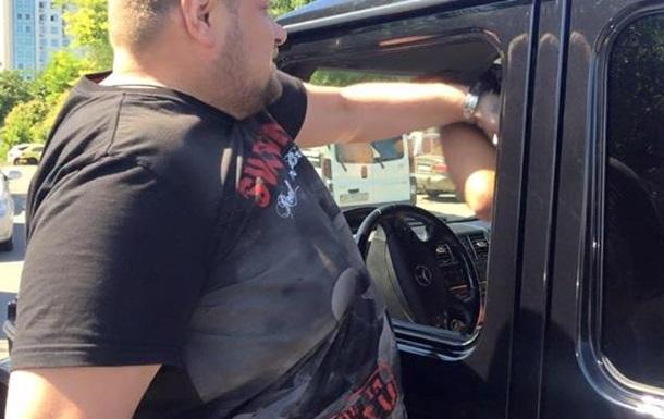 В Одессе нардеп Мосийчук ударил  водителя  за хамство