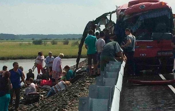 В России столкнулись автобусы: 13 человек погибли