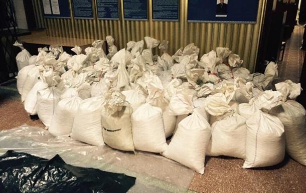 Укрбурштин : 2,6 тонны изъятого янтаря принадлежат нам