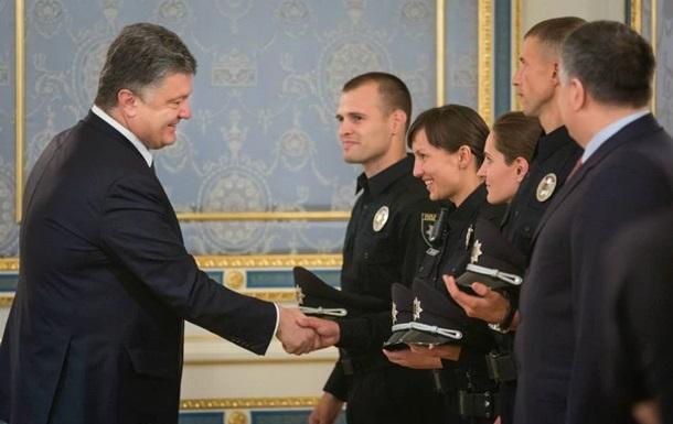 Первый месяц украинской полиции: успешный старт?