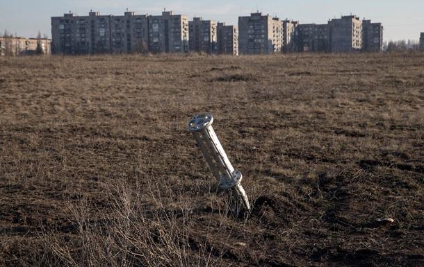 Авдеевка под обстрелом, ранен местный житель