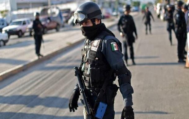 В Мексике убит активист, помогавший искать пропавших студентов