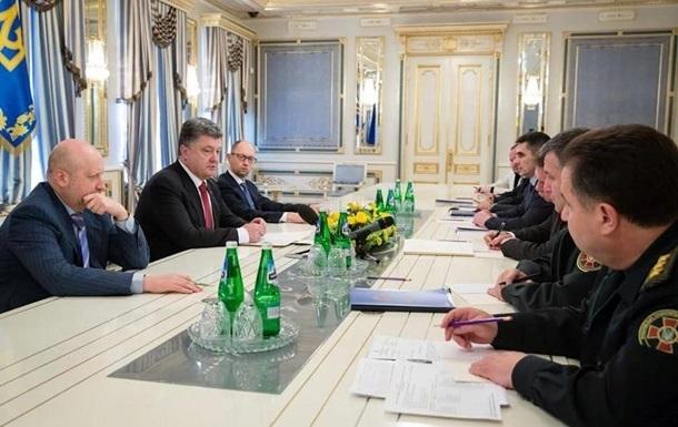 Порошенко созвал силовиков из-за обострения в Донбассе