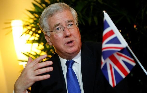 Министр обороны Великобритании завтра посетит Украину