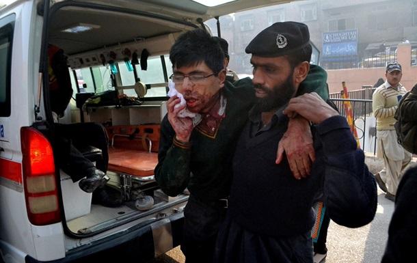 Атака на школу в Пакистане: шестеро талибов приговорены к смертной казни