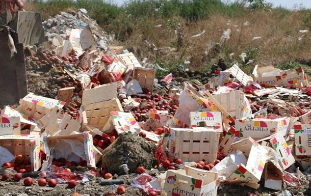 В Крыму уничтожили четыре тонны санкционного нектарина