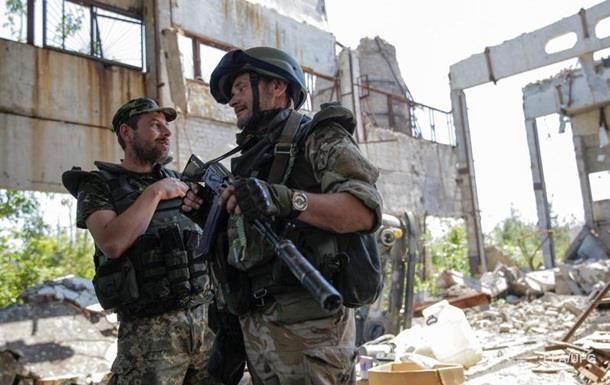 Количество обстрелов на Донбассе снижается - штаб АТО