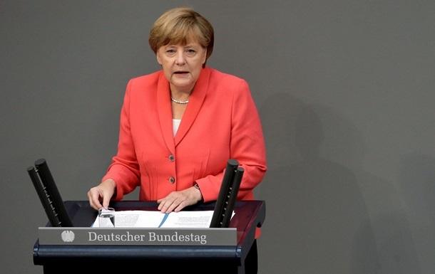 Меркель выступила против идеи списания долгов Греции