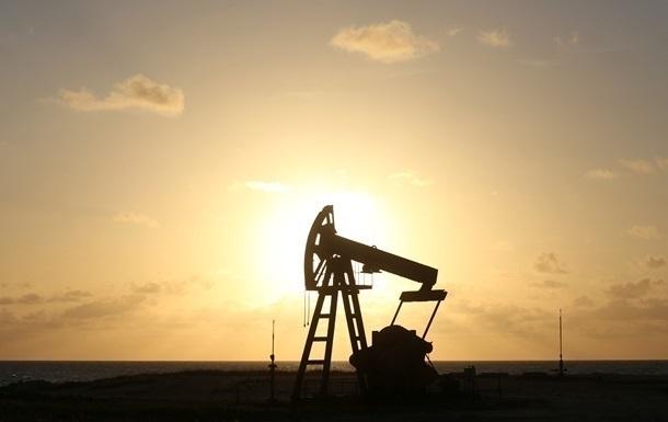 Нефть продолжает дешеветь на открытии торговой недели