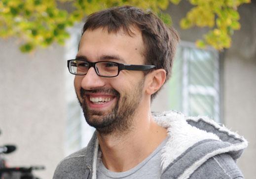 Лещенко опять говорит украинцам, что черное – это белое