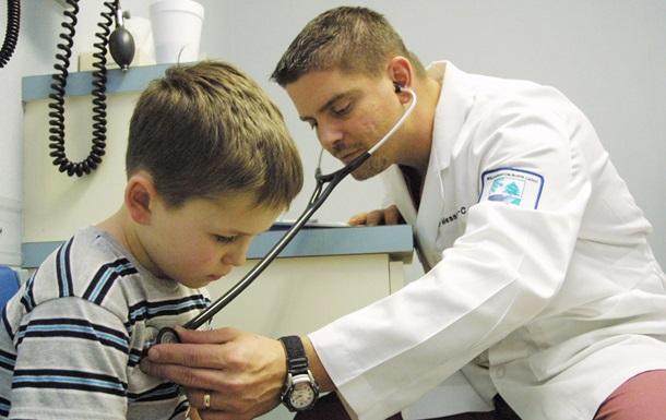 Ученые связали головную боль у детей со школой
