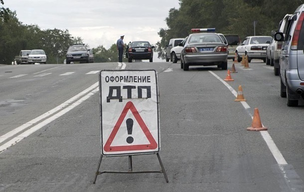 В ДТП под Волновахой попал военный грузовик