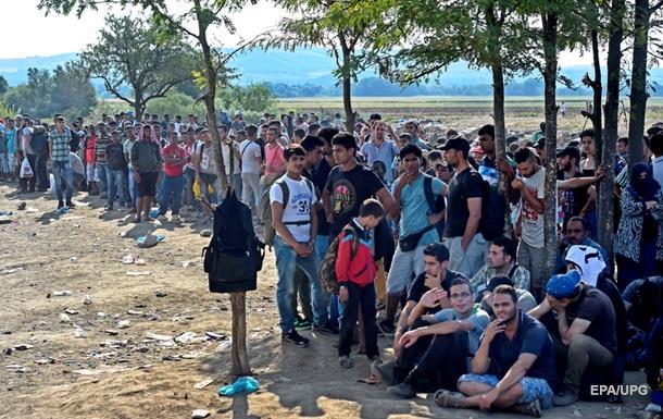 Македония объявила режим ЧП из-за беженцев