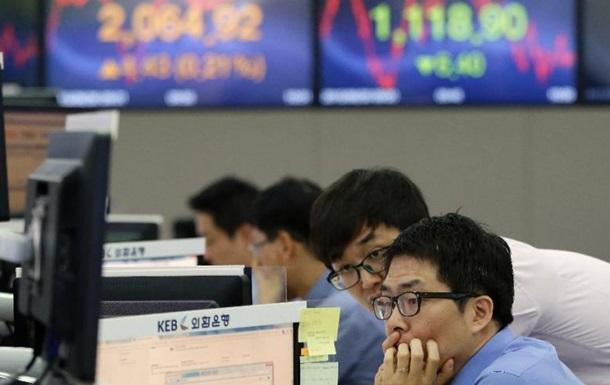 Южнокорейские биржи начали торги с падения показателей на 2%