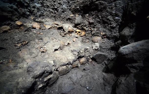 В Мехико обнаружили стену из человеческих черепов