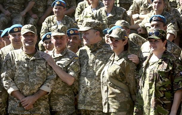 Порошенко привезет военным в Харьковскую область 170 единиц техники