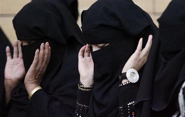 В Саудовской Аравии женщинам разрешили участвовать в выборах