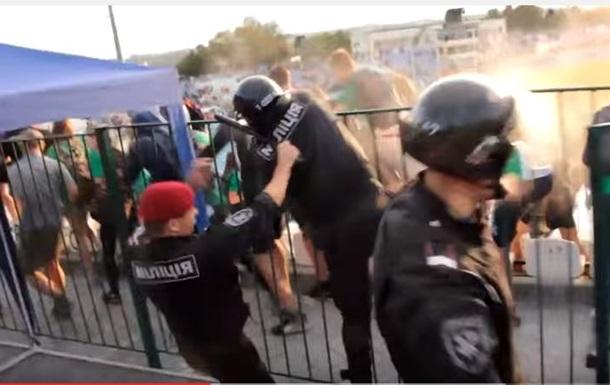 Футбольный матч в Кировограде завершился массовой дракой