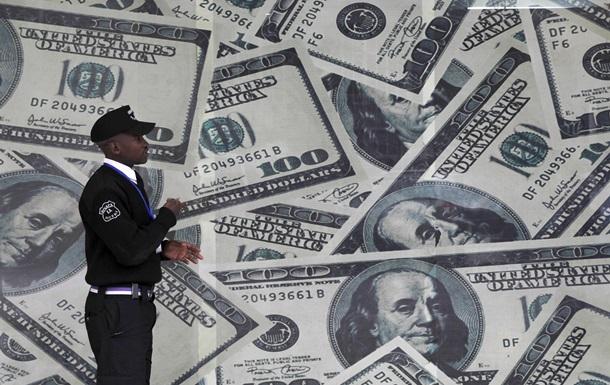 Доллар упал максимальными темпами с 2009 года
