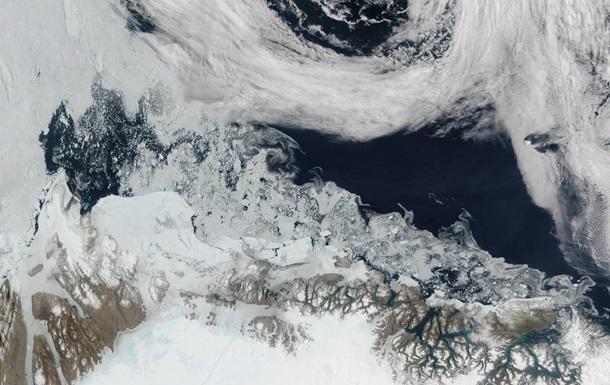 NASA опубликовало снимок таяния льдов в Гренландии