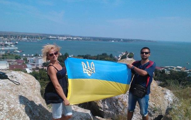 В Крыму за фото с украинским флагом засудили трех человек - СМИ