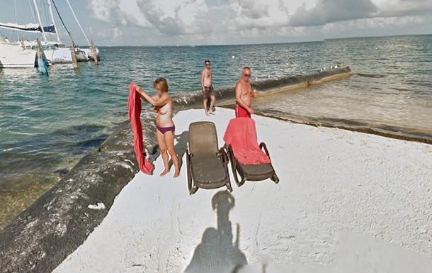 Полуголая женщина попала на панорамы Google Street View