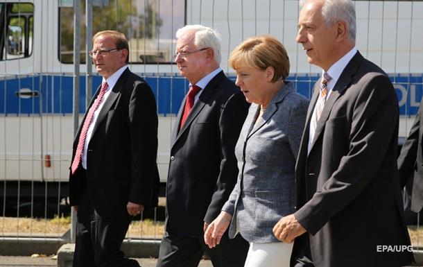 Меркель освистали при посещении лагеря для беженцев – СМИ