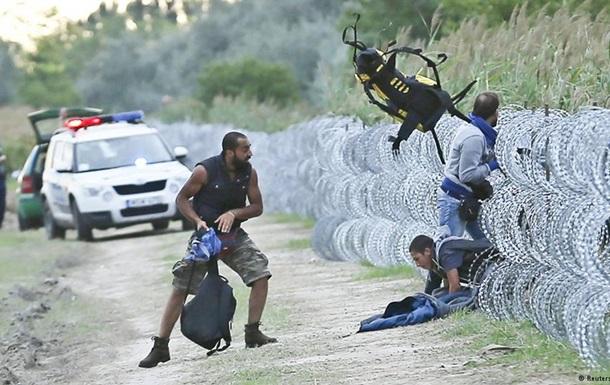 В Венгрии в лагере для беженцев полиция применила слезоточивый газ