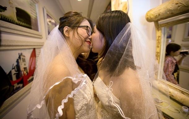 Итальянский кардинал выступил против однополых браков