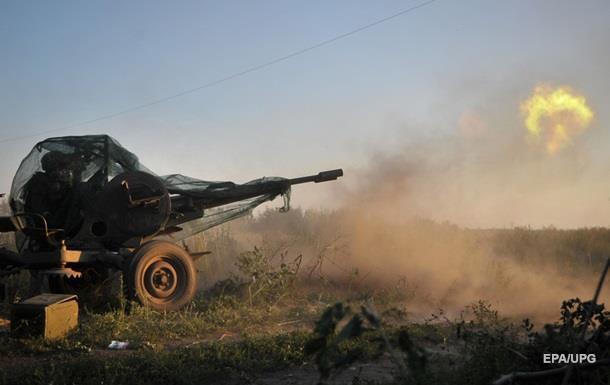 Обострение на Донбассе: обстрелы по всей линии фронта
