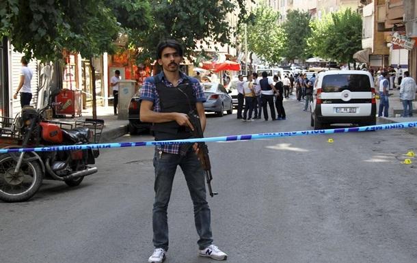 24 человека пострадали при подрыве автобуса в Турции
