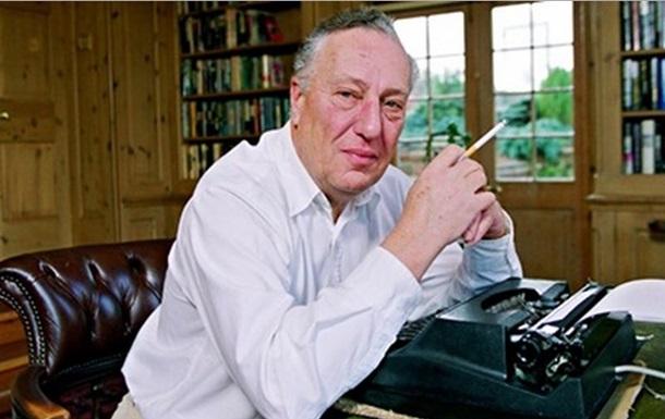 Известный автор шпионских романов 20 лет работал на разведку