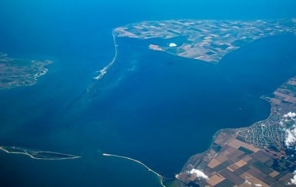 В Керченском проливе обещают возвести три временных моста