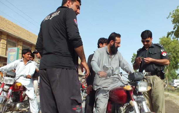 При взрыве в Пакистане погибли шесть человек
