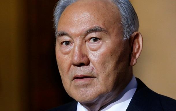 В паспортах граждан Казахстана могут появиться цитаты Назарбаева