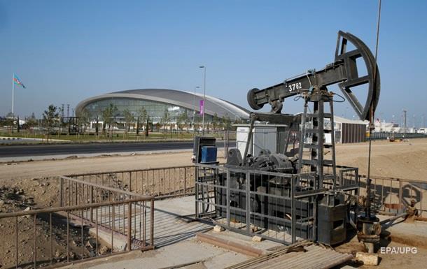 Нефть по итогам биржевых торгов незначительно подешевела